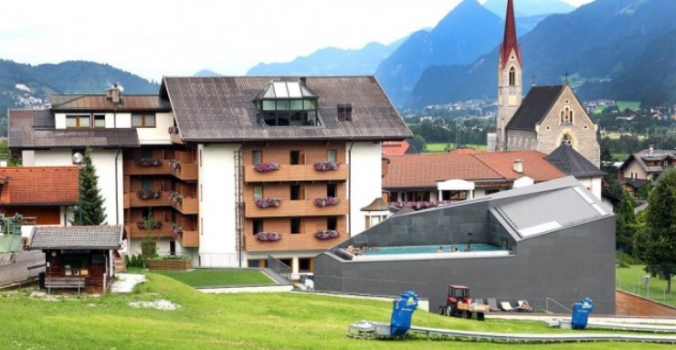 vignette-Les-Merlus-au-sommet-du-Tyrol